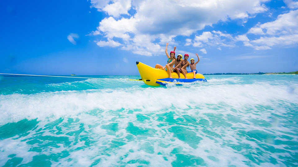 Banana Boat Ride at JBR Dubai,Seawake Yacht Rental - JBR Public beach,Water Sports